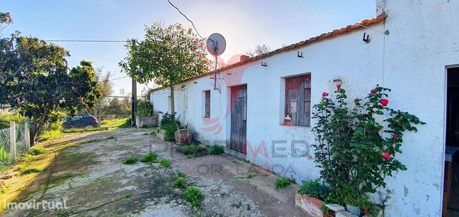 Casa Térrea na Mexilhoeira Grande - Portimão