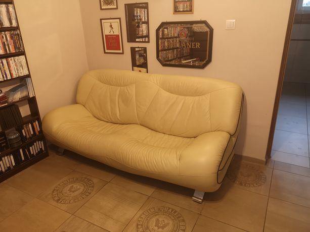 Sofa ze skóry w kolorze żółtym