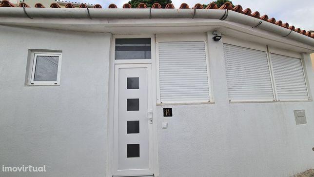 Casa Térrea (renovada) em Linda-a-Pastora