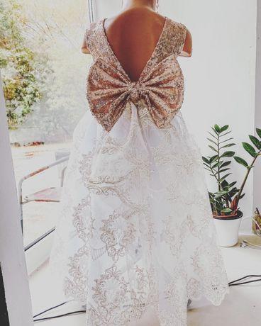 Платье нарядное на 5-8 лет Новое