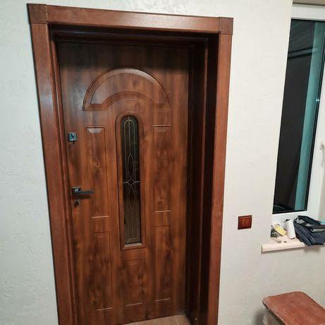 Встановлення вхідних, міжкімнатних дверей мЧервоноград.Монтаж,демонтаж