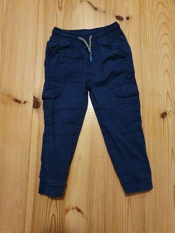 Spodnie chłopięce, bojówki Smyk 104