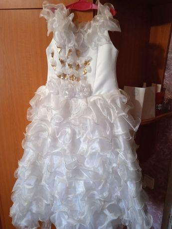 Продам вечернее белоснежное платье