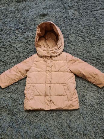 Gap 5 Т куртка на девочку зимняя
