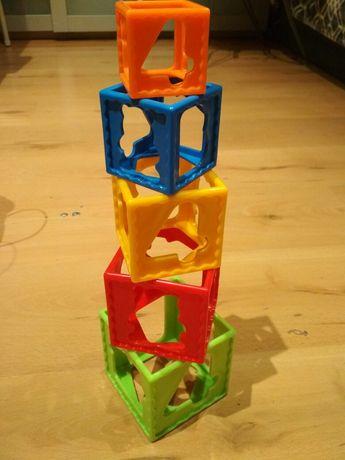 Wieża plastikowa