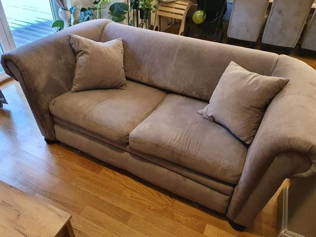 Oddam składaną sofę.