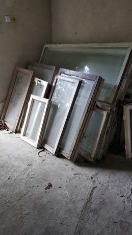Старі вікна та двері