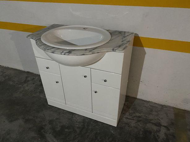 Móvel lavatório para casa de banho