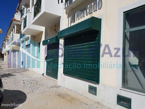 Loja com 87 m2 nas Praias do Sado - Imóvel de Fundo de In...
