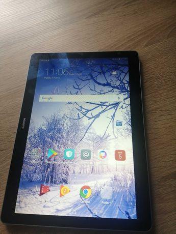 Tablet Huawei, używany rok czasu, brak miejsca na karte sim