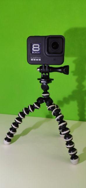 GoPro Hero 8 Black - GWARANCJA! Jak nowa! 2 baterie + akcesoria!