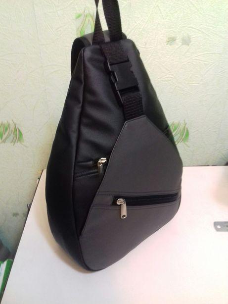 Удобный рюкзак на одно плече