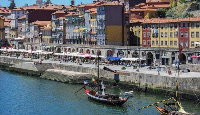 Restaurante Ribeira Porto com esplanada