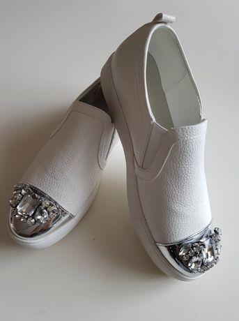 Buty z kryształkami rozm. 39