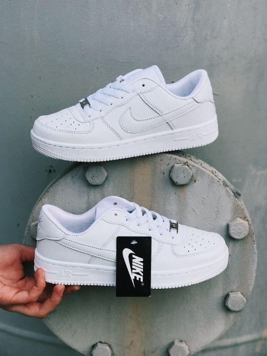 Кроссовки белые Nike Air Force Крутые Найк Аир Форс черные