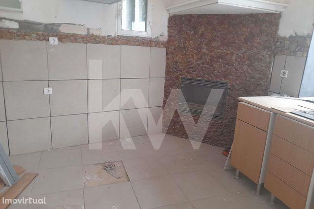 Apartamento T1, no centro da cidade de Albergaria-a-Velha, para venda.