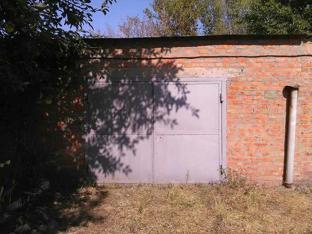 Продам гараж цегла