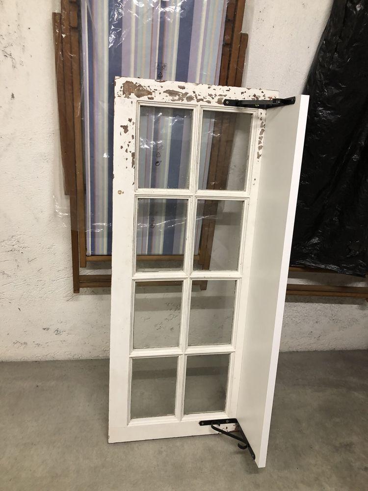 Cabide de parede janelas antigas