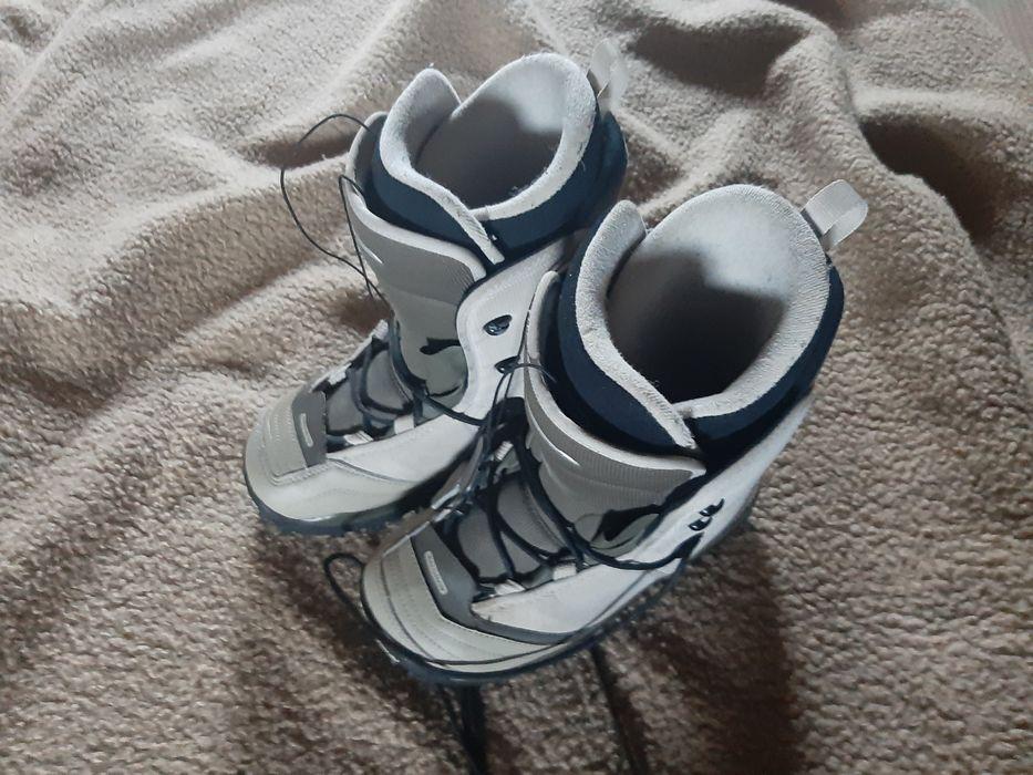 Sprzedam buty snowboardowe!! Kasina Wielka - image 1