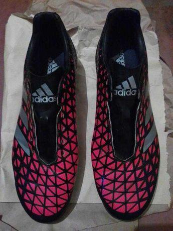 Бутсы Adidas . Новые .