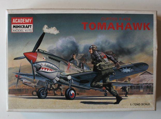 Curtiss P-40B Tomahawk model 1/72