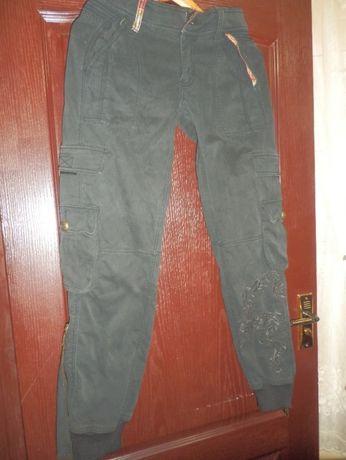 джинсы на манжетах,Испания