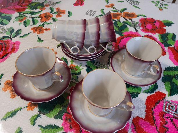 Фарфоровый кофейный сервиз. Кофейные чашки, блюдца