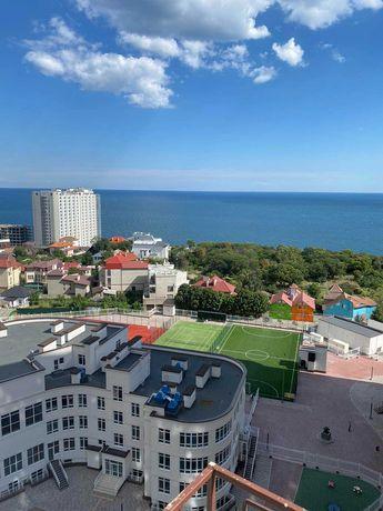 Продается трехкомнатная квартира в Аркадии с прямым видом моря!