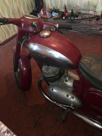 Продаю мотоцикл Ява- 350