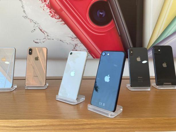 iPhone SE 2020 | 256 GB | Black | White