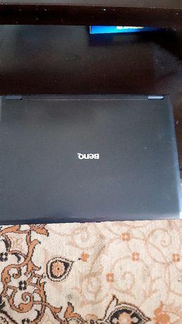 Ноутбук.в робочем