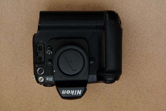 lustrzanka Nikon d1x