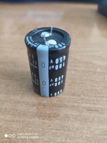 Конденсатор электролитический 100мкФ 450В