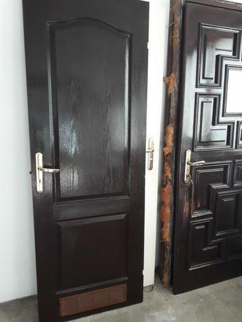 Drzwi łazienkowe brązowe