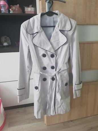 Sprzedam płaszcz wiosenny S