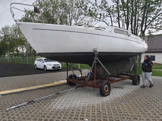 Łódz żaglowa Albin Vega 27
