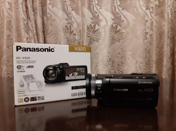 Відеокамера Panasonic HC-X920+додатковий акумулятор+SD карта 64gb