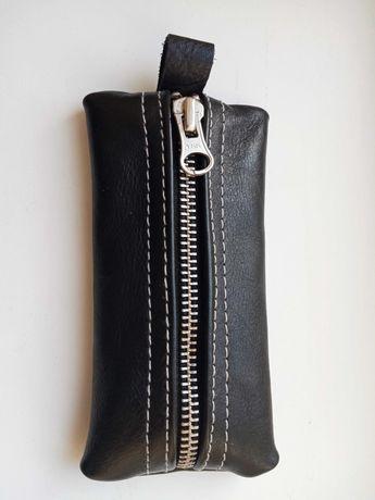 Кожаный футляр для ключей, брелка, телефона
