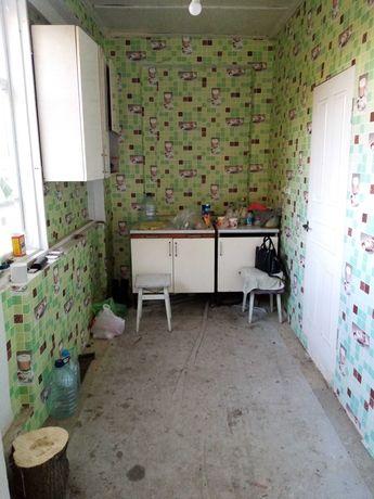 Продам дом 2этажа 100кв.м.12 соток в центре Добровеличковки.
