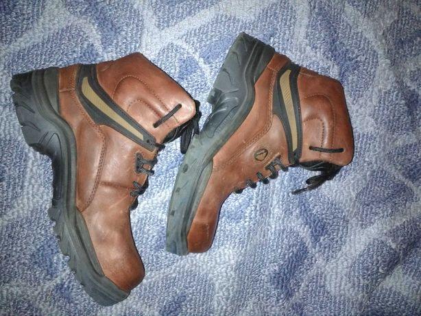 Ботинки кроссовки трекинг кожаные 37