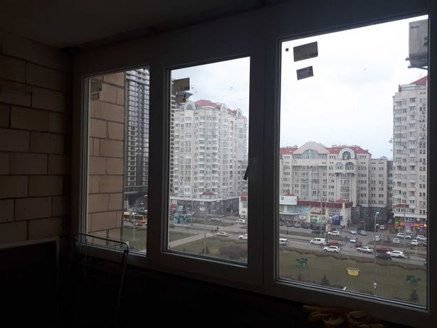 Продам 3 кімн.квартиру 100м2, м.Мінська 2хв, цегляний буд.
