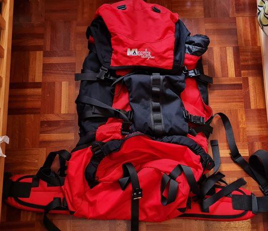 Mochila de campismo, trekking e aventura MonteCampo como nova