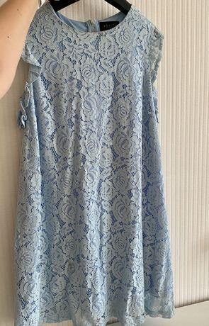 Платье кружевное нежно голубое Mohito