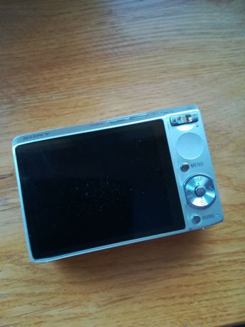 Sprzedam cyfrowy aparat Sony Cybershot 8,1 megapixel