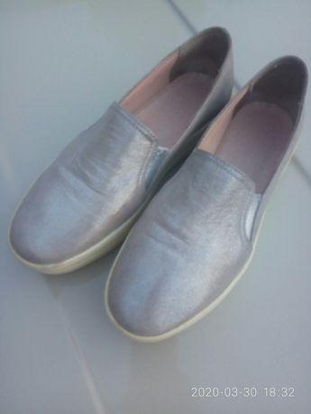Кожа слипоны, мокасины, кроссовки туфли платформа