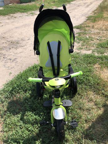 Триколісний дитячий велосипедик з батьківською ручкою T - 400 TRINITY