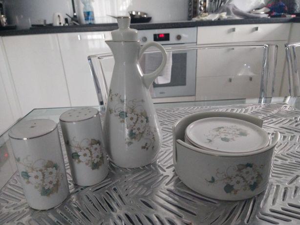 Sprzedam zestaw z brazylijskiej porcelany do przypraw