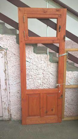 Дверь деревянная новая