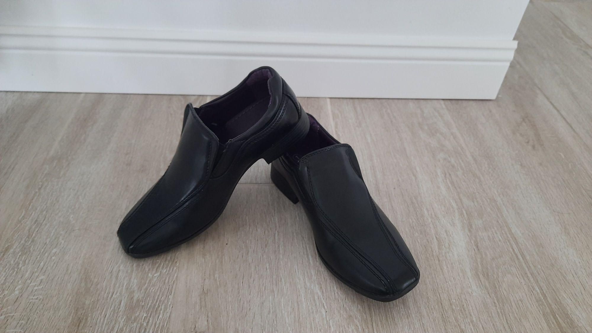 Buty chłopięce czarne, eleganckie, do garnituru, r. 34/35