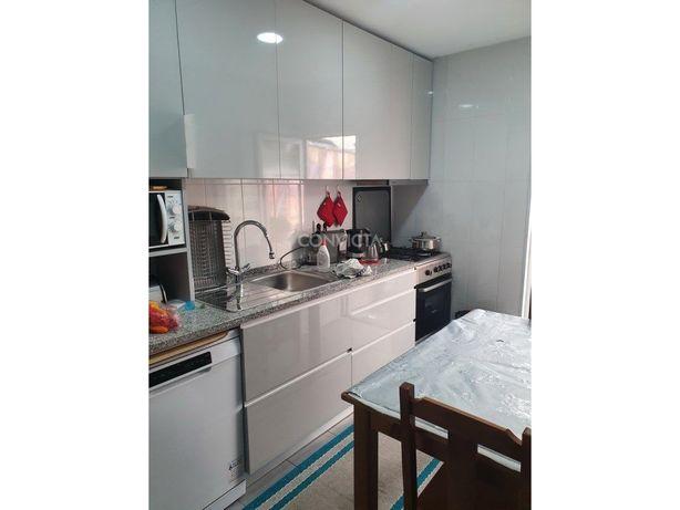 Moradia V2 Térrea para investimento, Nogueira, Maia